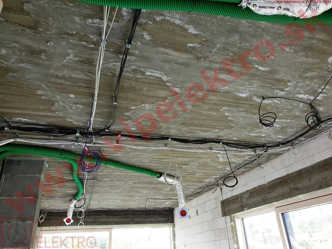 loxone-hrubá-montáž-inštalácia-strop-izba