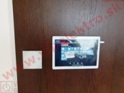 loxone-tablet-loxone-touch-na-stene-miniatura